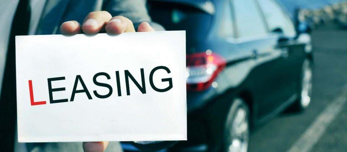 De voor- en nadelen van het kopen en leasen van auto's